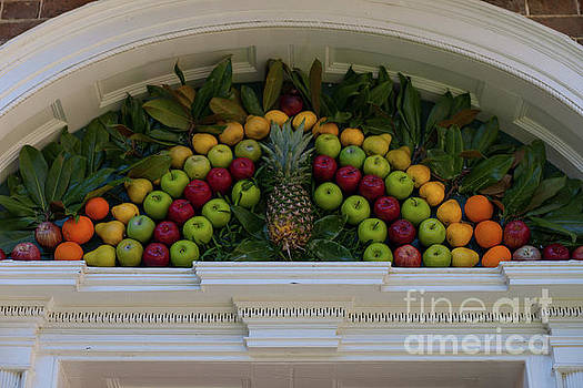 Dale Powell - Decorating with Fruit