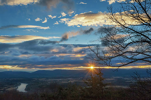 Lara Ellis - Shenandoah Valley January Sunrise